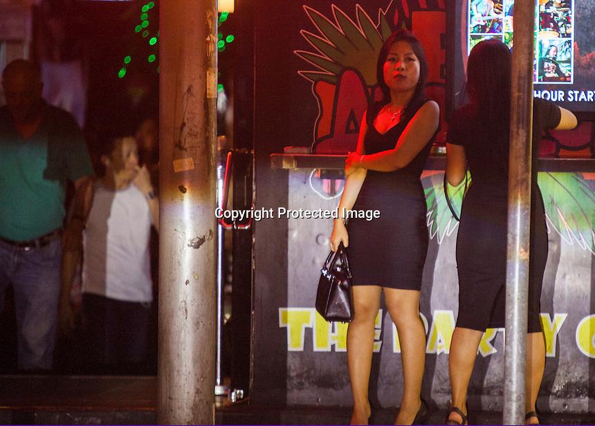 Prostitutes Prakhon Chai